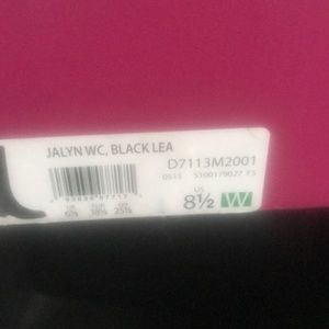 Boots brand new in box size 8 1/2 wide
